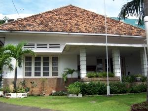 Rumah nomor 25/D14 yang sekarang dijadikan losmen.
