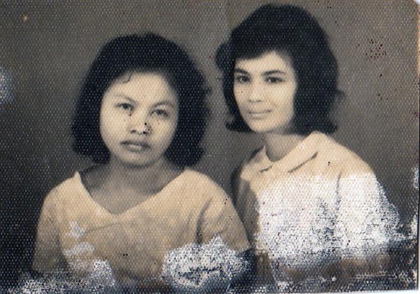 mama dan wirda mahmud (SPG negeri)-anak haji mahmud pengarang tafsir quran-bukittinggi-mau ujian SPG- 69-70