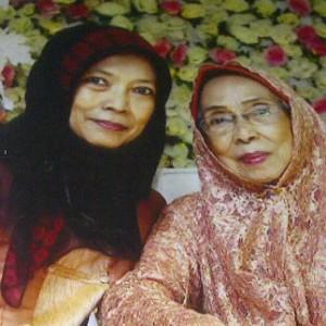 Oeti (kiri) dan Heratih. Foto dokpri.