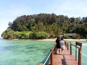 Dermaga Pulau Sapi. Foto: Silvia Galikano