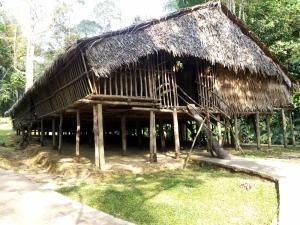 Rumah Panjang Suku Rungus. Foto: Silvia Galikano