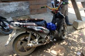 Sepeda motor milik Camat Pipikoro Smar tak terkecuali turut dimodifikasi. Foto: Silvia Galikano