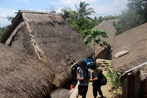 Atap rumah di Dusun Sade