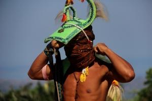 Caci, seni bela diri khas Manggarai, dipertunjukkan di Kampung Melo, Desa Liang Ndara, Manggarai Barat, Nusa Tenggara Timur (12)