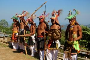 Caci, seni bela diri khas Manggarai, dipertunjukkan di Kampung Melo, Desa Liang Ndara, Manggarai Barat, Nusa Tenggara Timur (7)
