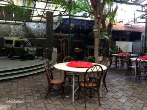 Halaman belakang Restoran  Semarang