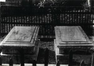Makam pelukis Raden Saleh dan istrinya di kampung Bondangan Buitenzorg 1935 kitlv - kol halim sutrisno