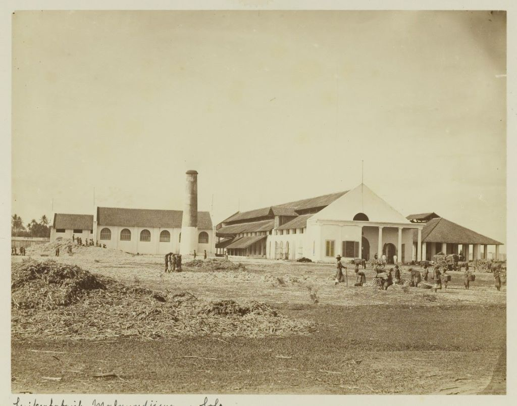 pg-colomadu-pada-1867-pada-1928-pabrik-diperbesar-seperti-sekarang-foto-colonialarchitecture-eu