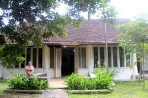 saya-di-teras-belakang-rumah-administratuur-pg-colomadu