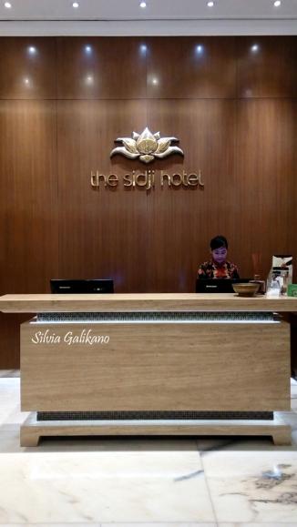 area-lobi-the-sidji-hotel-foto-silvia-galikano-1