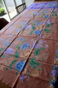 batik keluarga pemilik hotel sidji