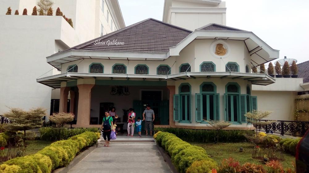The Sidji Hotel Di Jalan Dr Cipto No 66 Pekalongan 1 Silvia Galikano