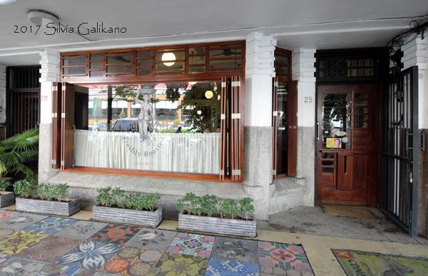 Bakoel Koffie terbilang pelopor kafe di ruas Jalan Raya Cikini