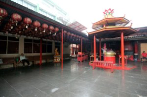 Vihara Dharma Bhakti, Klenteng Jin De Yuan, Glodok